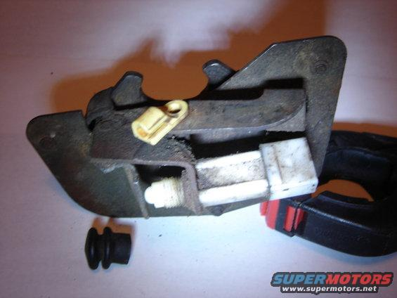 Lh Tailgate Latch Open Wo Bellow on 1996 Green Bronco