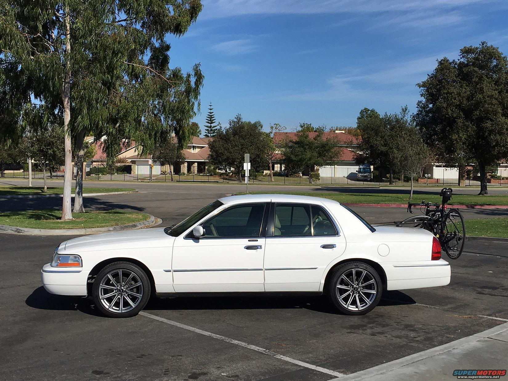 Show me your Mustang wheels on your crown vic!   Tires and Wheels