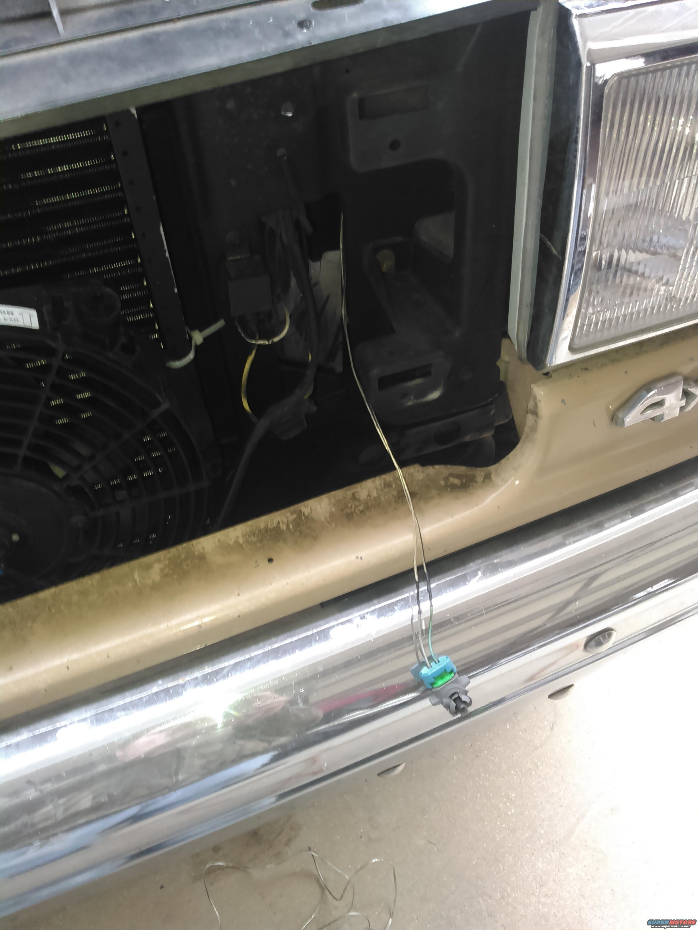 Installing Gm Rearview Mirror W Temp Compass And Autodimming 93 Rear View Wiring As You Can See The In My Truck Is Kinda Messy Reverse Signal Your Choice If Want To Run It Or Not I Ran Wire