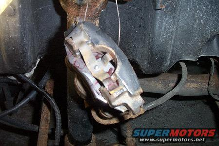 7caliper-outer-pad-almost-out.jpg