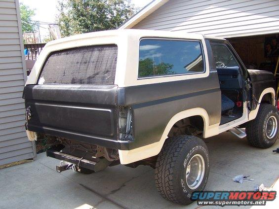 Post as well A Torsion Bar Hold further Large furthermore  furthermore C Ef E. on ford bronco tailgate window