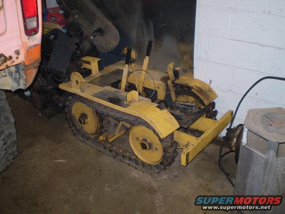 Just picked up this mini dozer and am trying to get some info on it.