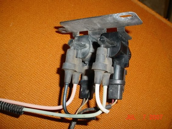 Power Strip Surge Protector Wiring Diagram in addition 2006 Ford Escape Front Suspension Diagram further 2000 Oldsmobile Intrigue Fuse Box Diagram in addition 2004 Cadillac DeVille Heater Hose Diagram in addition 2001 Ford F 150 4x4 Vacuum Lines. on blower motor resistor replacement 1995 gmc