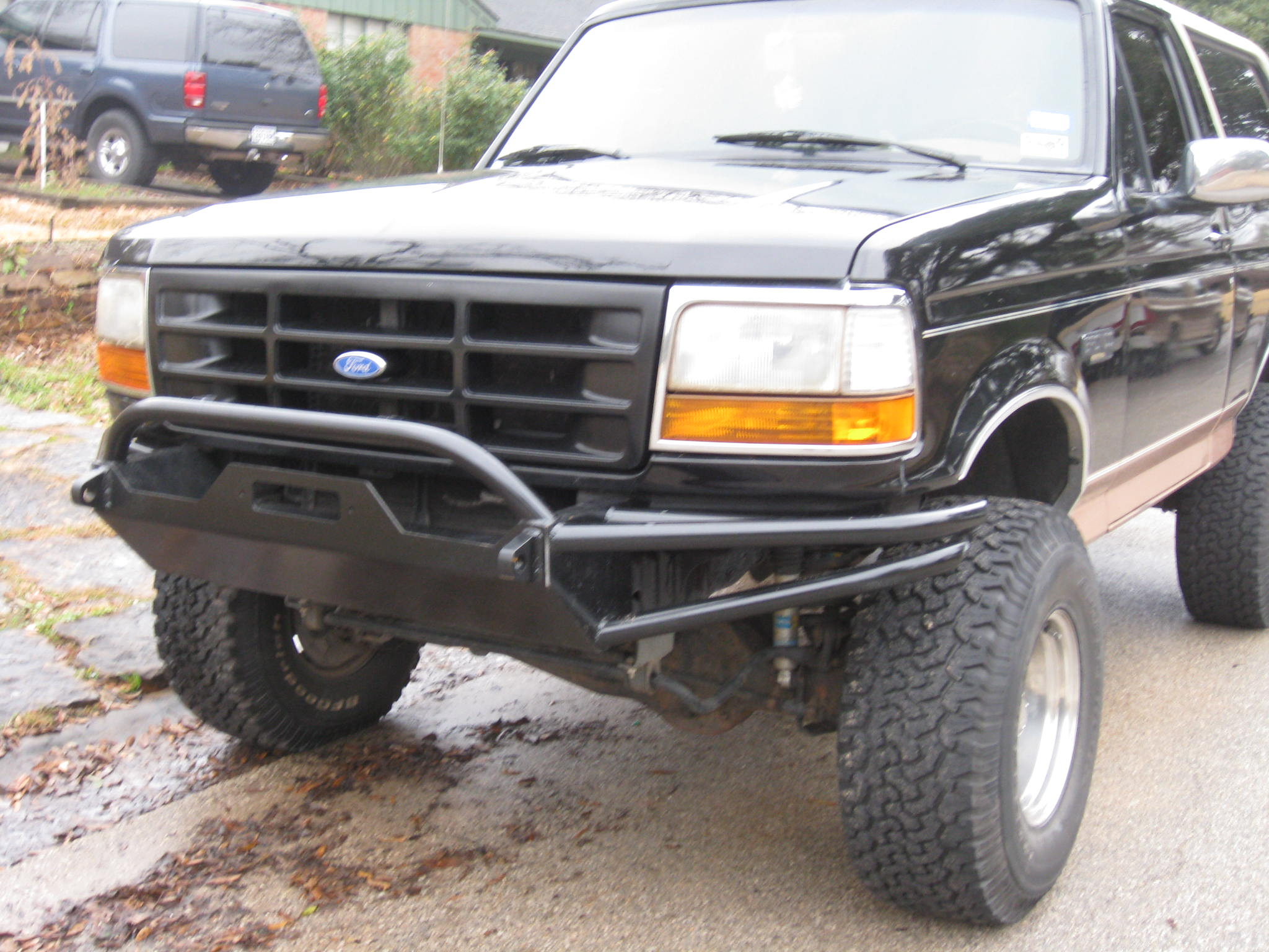 Off Road Bumpers F150 >> 1994 Ford Bronco Hefty Bumper picture | SuperMotors.net