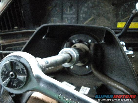 how to use a steering wheel puller video