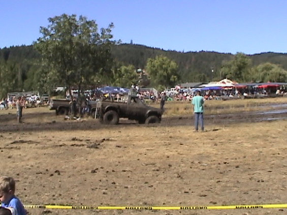 2003-sutherlin-blackberry-festival--mud-drags.jpg My 5th race, I lost. It sure was fun while it lasted though!