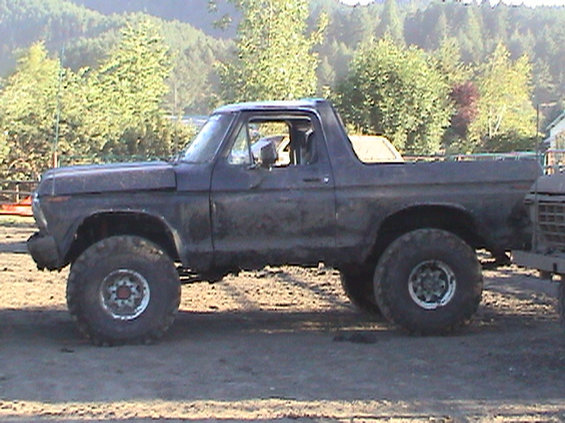 2003-sutherlin-blackberry-festival--mud-drags.jpg Jim's 78 Bronco after the Mud Drags
