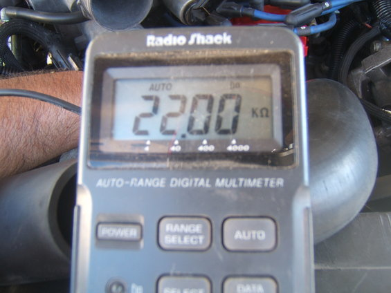 Checking resistance and voltage on the ECT sensor - Ford