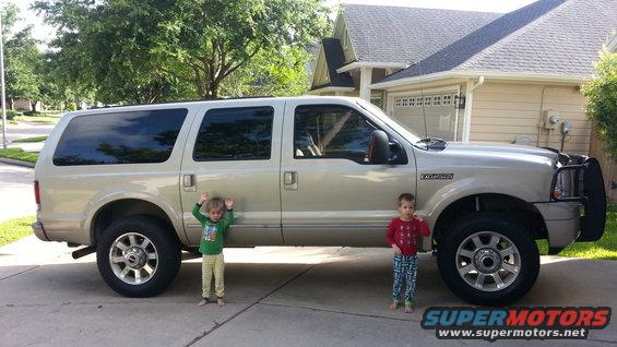 Ford Excursion Pictures Photos Videos And Sounds - 2005 excursion