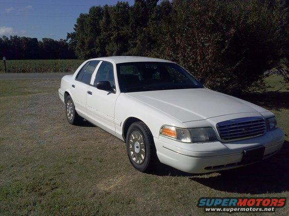 2004 Ford Crown Victoria Pictures Photos Videos And