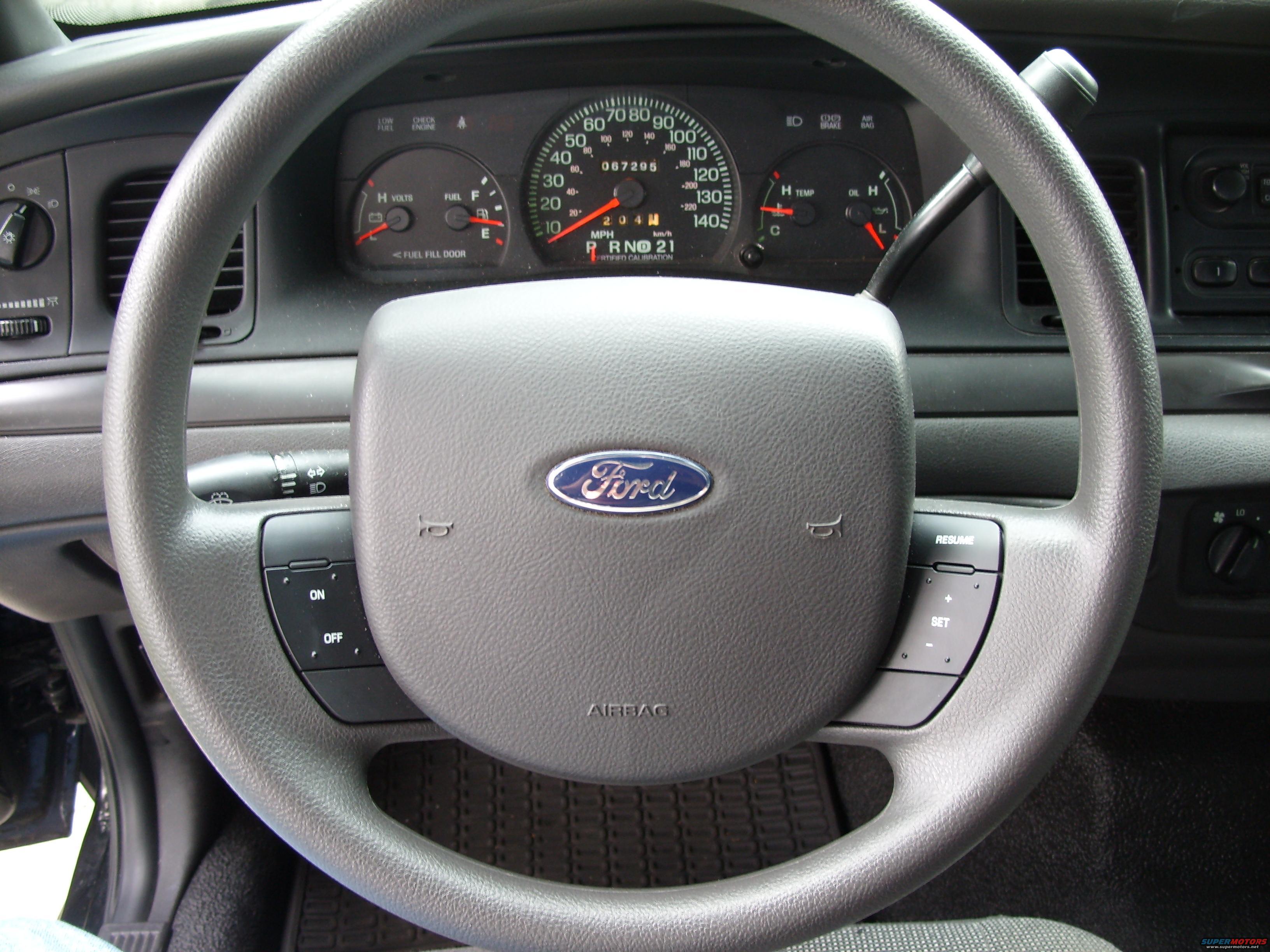 2005 Ford Crown Victoria Interior Picture